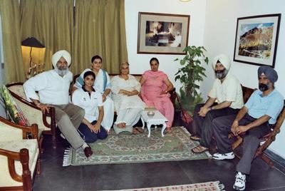 Drish, Iqroop, Simran, my mother, Neena Kishie Singh, Bunny and Sunder